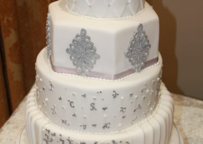 Wedding Cakes - Silver and White Elegance