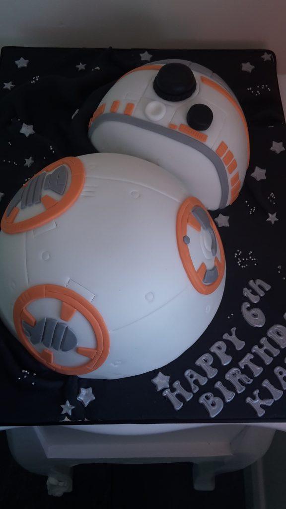 BB 8 bespoke cake