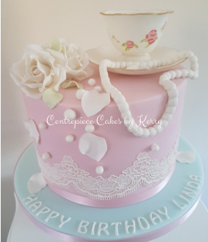 Vintage tea cup and saucer birthday cake (1)